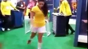 Sensual brasileña deja
