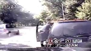 Policía salva a mujer que se estaba asfixiando mientras conducía Video: