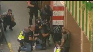 El hombre atrincherado en un bar de Zaragoza se suicida Video: