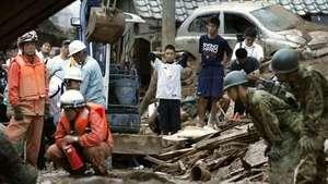 Al menos 27  muertos por deslizamiento de tierra en Japón Video: