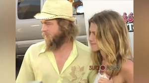 Brad sigue enamorado de Jennifer Aniston, según su psíquico Video: