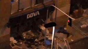 Así quedó sucursal bancaria tras bombazo en pleno centro Video: