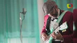 Escucha ''Tus Besos', el estreno del nuevo sencillo de Juan Luis Guerra Video: