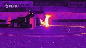 Video: Red Bull Racing RB8 realiza Donuts con luz infrarroja Video: