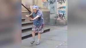 ¡Se pasó! Abuela bailarina sorprende a la web con pasos Video: