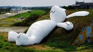 Artista crea un conejo gigante en Taiwán Video:
