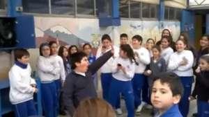 Talento chileno: Niño revoluciona su colegio con baile Video: