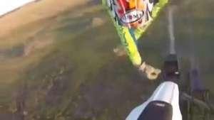 Go Pro capta espectacular accidente de motociclista Video: