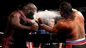 SmackDown: Rusev ataca a Henry en medio de un concurso de pulsos Video: