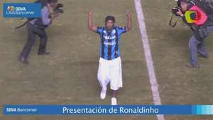 Presentación de Ronaldinho en la Corregidora Video: