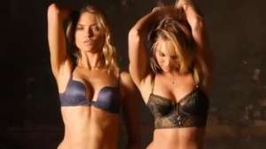 Sexies rubias protagonizan sensual video de Victorias Secret  Video: