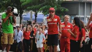 Fernando Alonso: 'en Singapur va a estar complicado el podio' Video: