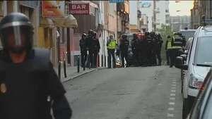 La Policía desaloja la polémica casa