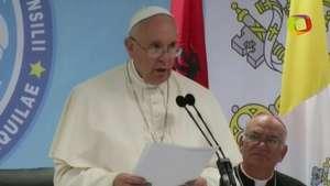 Papa Francisco condena violencia en su viaje a Albania Video: