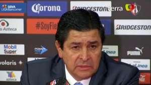 Luis Fernando Tena acepta preocupación en Cruz Azul por mal paso del equipo Video: