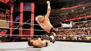 RAW: Dolph Ziggler recupera el Campeonato Intercontinental en 24 horas Video: