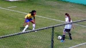 Jugadora argentina humilla a defensora brasileña en la Copa América femenina Video: