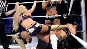 SmackDown: Rosa Mendes y Layla resuelven las disputas de Natalya y Summer Rae Video: