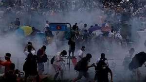 Aumenta tensión en Hong Kong Video: