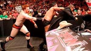 RAW: Sheamus enseña a Damien Sandow cómo recibe un doble Video: