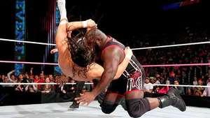 WWE Main Event: Mark Henry venga su derrota y arrasa a Bo Dallas Video: