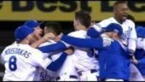 Pérez brilla en el duelo de comodines con su equipo en la MLB Video:
