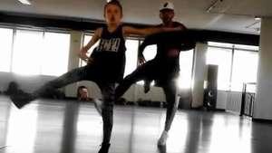 Pequeña niña deslumbra por sus dotes de baile Video: