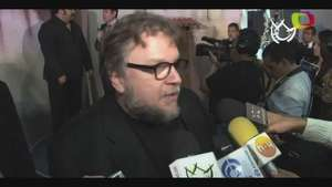 Guillermo del Toro celebra sus 50 con carnitas Video:
