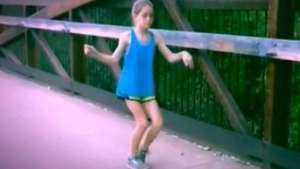 ¡Se pasó! Pequeña se luce bailando con particular estilo Video: