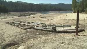 La vida sin agua de los residentes de California Video: