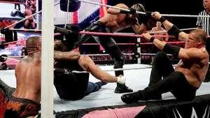 RAW: La Autoridad (y Seth Rollins) salen reforzados ante Ambrose y Cena Video: