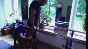Parapléjicos podrían volver a caminar Video:
