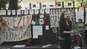 Argentina se manifiesta por estudiantes secuestrados en México Video: