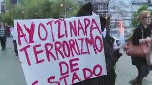 México pide a autoridades localizar a estudiantes secuestrados Video: