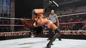SmackDown: ni Alicia Fox ni la interferencia de Paige pueden con AJ Lee Video: