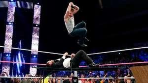 SmackDown: Ambrose arrasa a los guardaespaldas de Seth Rollins Video: