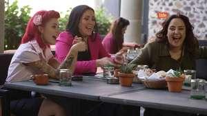 Lucky Ladies: Un desayuno subido de tono Video: