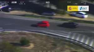 Locuras 'pilladas' por la DGT en carreteras secundarias Video: