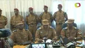 Burkina Faso: jefe del ejército asume el poder Video:
