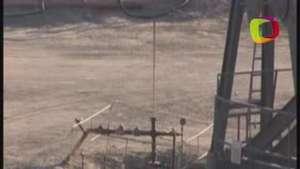 EEUU: Hispanos en peligro por vivir cerca de pozos petroleros Video: