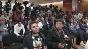 Preguntas de la prensa hacia Murillo Karam sobre caso Ayotzinapa Video: