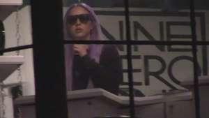 Amanda es acorralada por los paparazzi en salón de belleza Video: