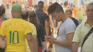 Cubanos podrán contratar hasta tres líneas de telefonía móvil desde 2015 Video: