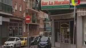 Un matrimonio colombiano regenta el bar de la lotería española de Navidad Video:
