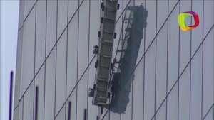 EEUU: Rescate de dos limpiacristales en el WTC Video: