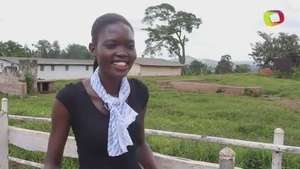Agricultora gana concurso de belleza en Uganda Video: