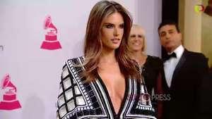 Alessandra Ambrossio, muy sexy en los Latin Grammy Video: