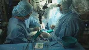 Médicos franceses logran exitosa cirugía prenatal Video: