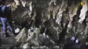 Buscan en cuevas de Guerrero a los 43 estudiantes desaparecidos Video: