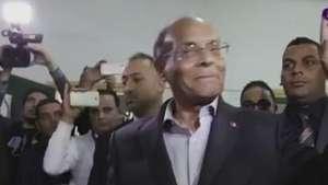 Túnez vota primer por su presidente tras la revolución Video: